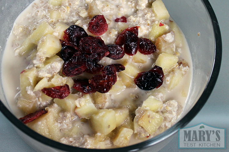 overnight oats with cranberries