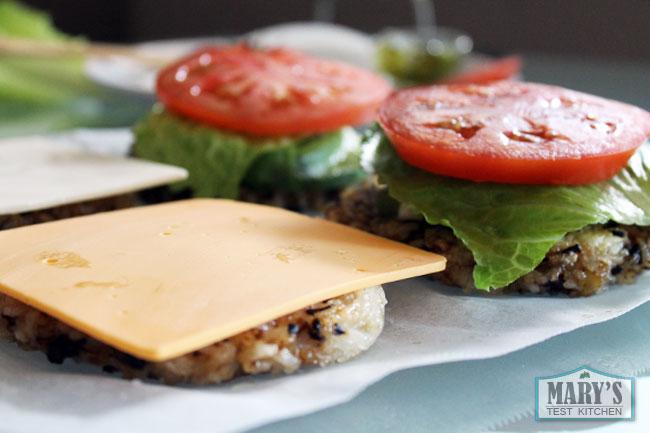 fantastic-rice-burger-assembly