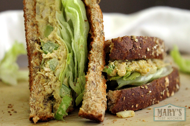 vegan-jackfruit-chicken-salad-sandwich-triangles