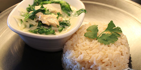 Vegan Freezer Meal: Vegan Thai Green Curry with Tofu on Brown Rice