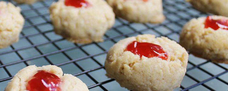 Strawberry Thumbprint Cookies | Christmas Baking
